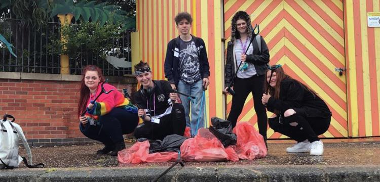 Students highlight dangers of beach litter with clean-up
